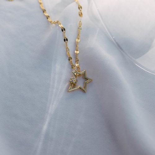 שרשרת עם תליון כוכב